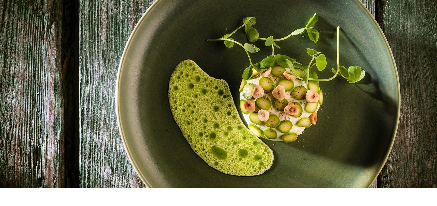 Bucci Matt Green Dinner Plate